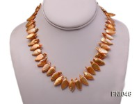 Classic 10x21mm Golden Leaf-shaped Freshwater Pearl Necklace