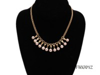 Gold-plated Metal Chain Necklace dotted with 8.5mm Pink Freshwater Pearls