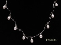 Gold-plated Metal Chain Necklace Dotted with White Freshwater Pearl
