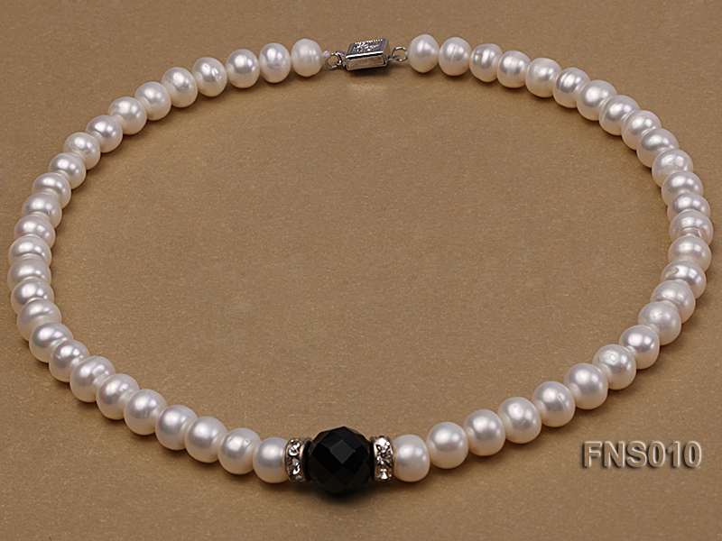 9-10mm natural white flat freshwater pearl with black gemstone necklace
