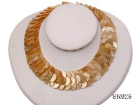 Natural Button-shaped Yellow Shell Pieces Necklace