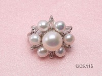 25mm Flower-shaped Gilded Magnetic Clasp with 6-10mm White Pearl