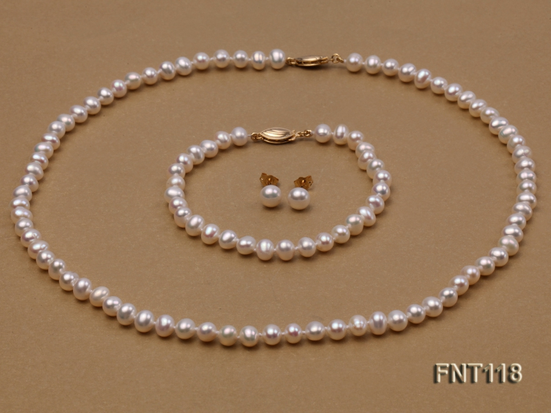6-6.5mm White Freshwater Pearl Necklace, Bracelet and Stud Earrings Set