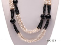 4-14mm white oval freshwater pearl and black round agate necklace