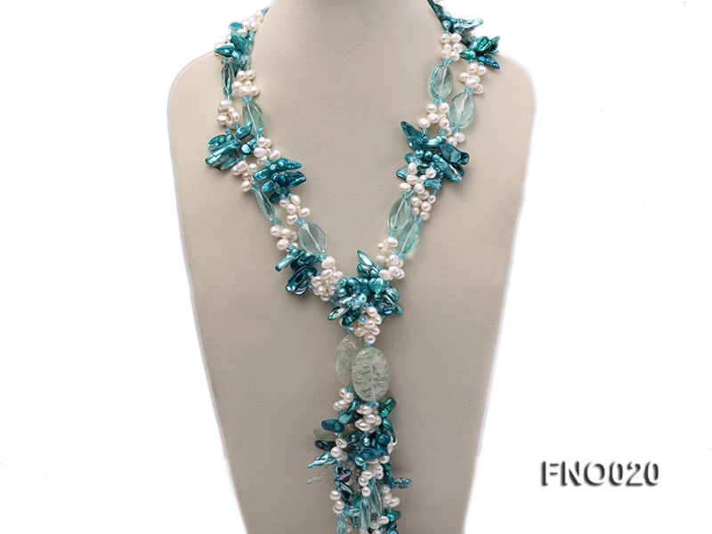 7×9.5mm white flat freshwater and blue irregular pearls necklace