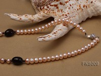 natural 7-8mm pink freshwter pearl with black carved agate single strand necklace
