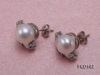 9.5mm White Flat Freshwater Pearl Earrings