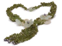Fashionable Peridot Chip Aventurine and Pearl Necklace