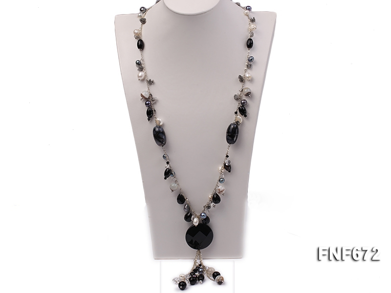8-9mm Baroque Cultured Freshwater Pearl and Irregular Agate Necklace. 32inches