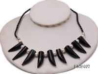 natural 8-9mm white round freshwater pearl with black horn shaped agate necklace