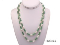 Single-strand White Flat Freshwater Pearl and Green Aventurine Pillar Necklace