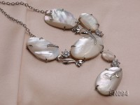 15.5×25-25x40mm White Shell Pieces Necklace Dotted with Zircons