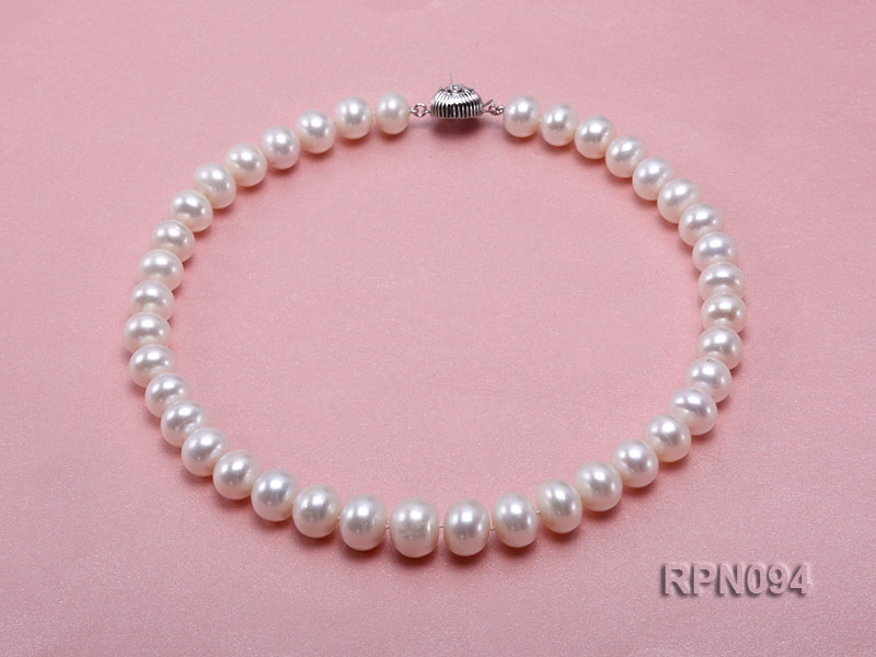 Super-size 13mm Classic White Round Freshwater Pearl Necklace