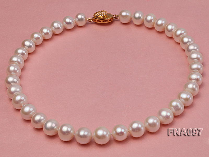 Charming Single-strand AAAAA-grade 12-13mm White Round Freshwater Pearl Necklace