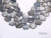 Wholesale 25mm Grey Flower-shaped Freshwater Shell String
