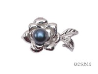 17*26mm Flower-shaped Gilded Magnetic Clasp Inlaid with Black Pearl
