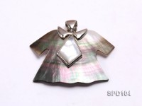 40x37mm Cloth-shaped Shell Pendant