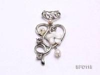 25x47mm Flower-shaped White Shell Pendant