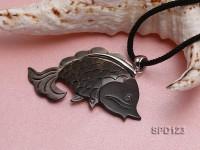 30x57mm Fish-shaped Black Shell Pendant