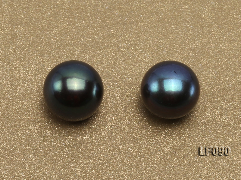 Wholesale Cards of 8.5-9mm Black Flat Freshwater Pearls—33 Pairs