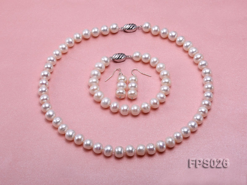 9-10mm White Flat Freshwater Pearl Necklace, Bracelet and Stud Earrings Set