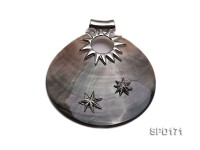 60x60mm Oval Black Shell Pendant