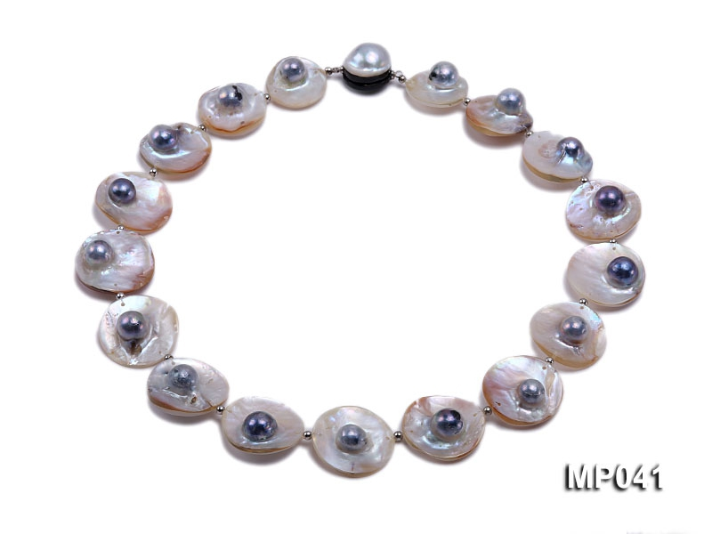 Black-White Mabe Pearl Necklace