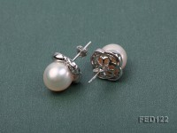 10.5mm White Round Freshwater Pearl Earring