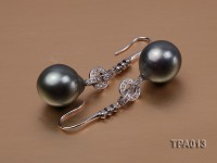 13x14mm Tahitian pearl earring with silver hook