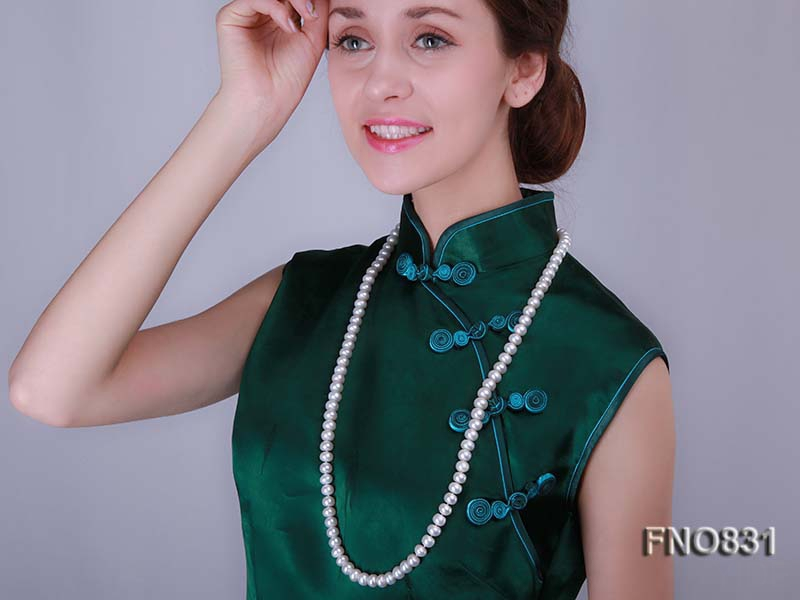 Freshwater Cultured White 9-11mm flat Pearl Necklace