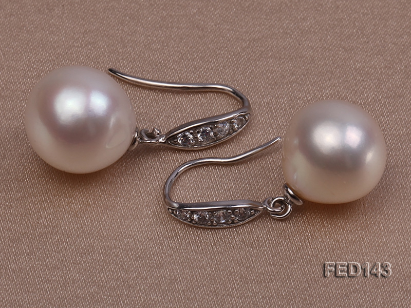 11.5x13mm White Drop-shaped Freshwater Pearl Earring