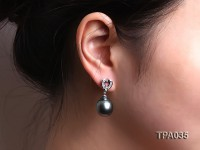 Gorgeous 13x17mm  black round tahitian pearl earring
