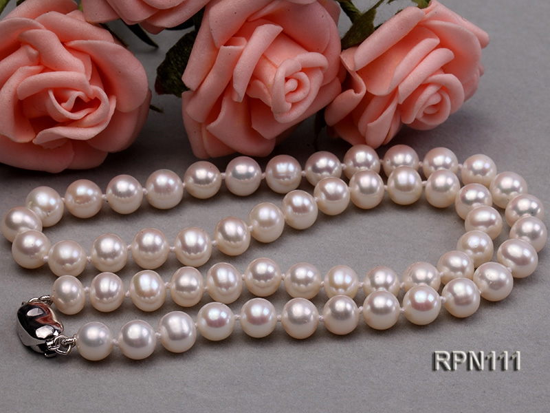 AAA-grade 7-7.5mm Classic White Round Freshwater Pearl Necklace