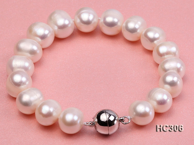 10-11mm white round freshwater pearl bracelet