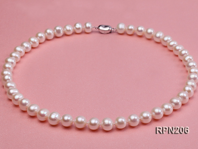 9mm AA-grade round freshwater pearl necklace