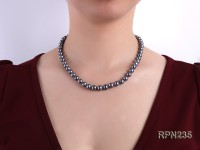 AAA-grade 8-9mm Black Round Freshwater Pearl Necklace