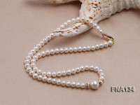 Charming Freshwater Pearl Necklace Dotted with 14 Gold Accessories