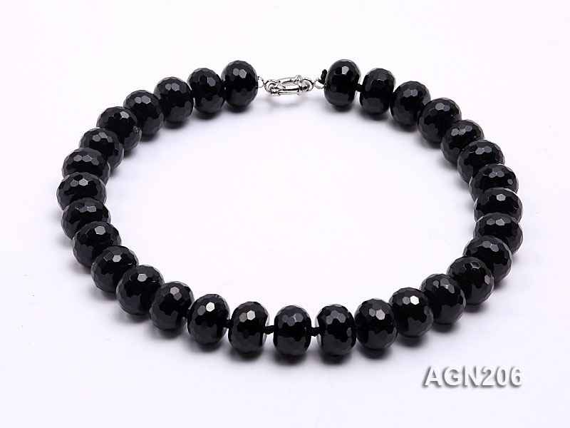 18.5x12mm Black Wheel-shaped Faceted Agate Necklace
