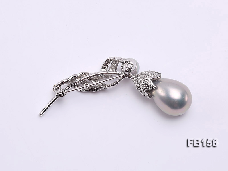 Seashell Pearl Brooch Set on Metal Bail with Zircons