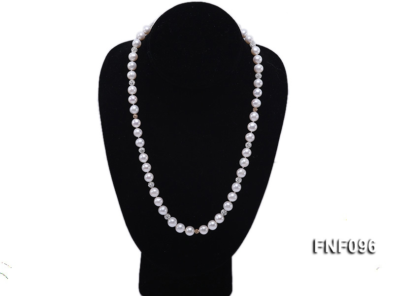 9mm AAA  Round Freshwater Pearl Necklace