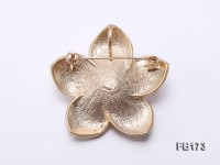 Flower-shaped 13mm White Near Round Freshwater Pearl Brooch