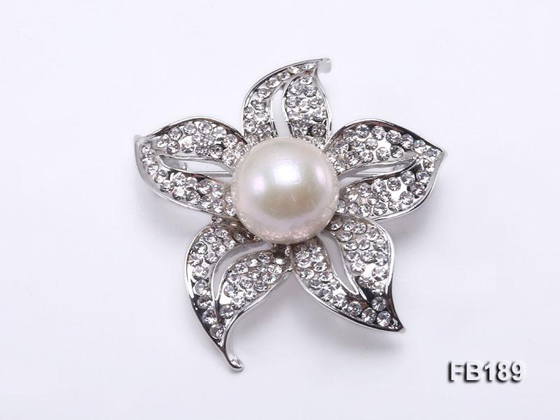 Flower-like 14.5mm White Round Edison Pearl Brooch