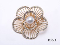 Flower-style 11.5mm White Freshwater Pearl Brooch