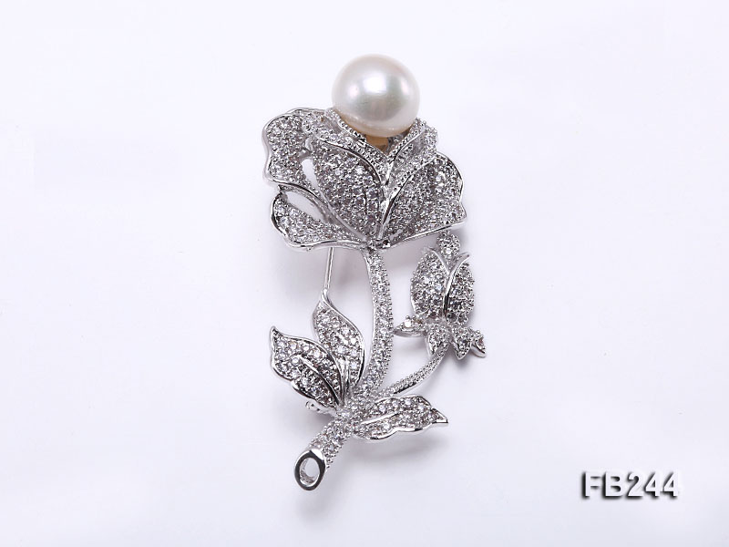 11.5mm White Freshwater Pearl Brooch