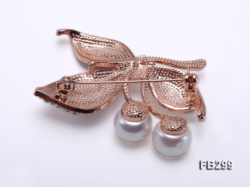 10.5mm White Freshwater Pearl Brooch