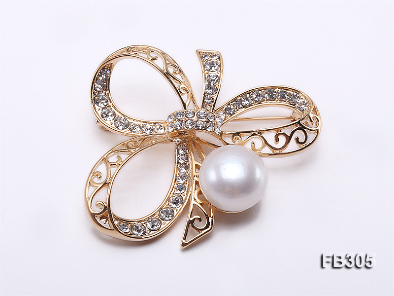 13.5mm White Freshwater Pearl Brooch