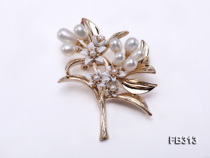 6x7mm White Oval Freshwater Pearl Brooch