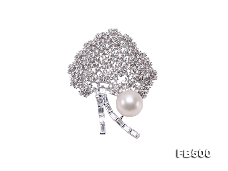 12mm White Edison Freshwater Pearl Brooch