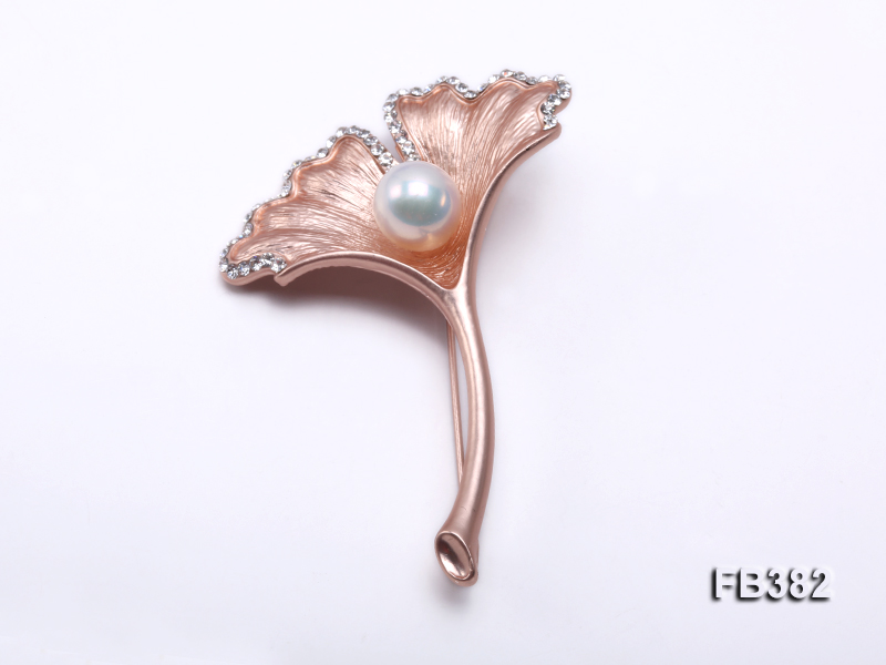 9.5x13mm White Freshwater Pearl Brooch