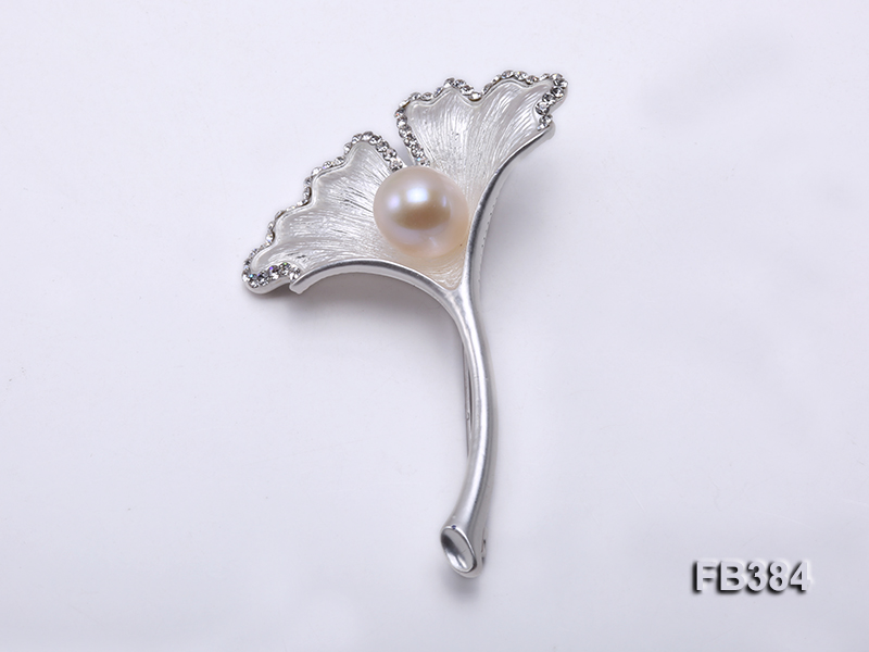 10x13mm White Freshwater Pearl Brooch